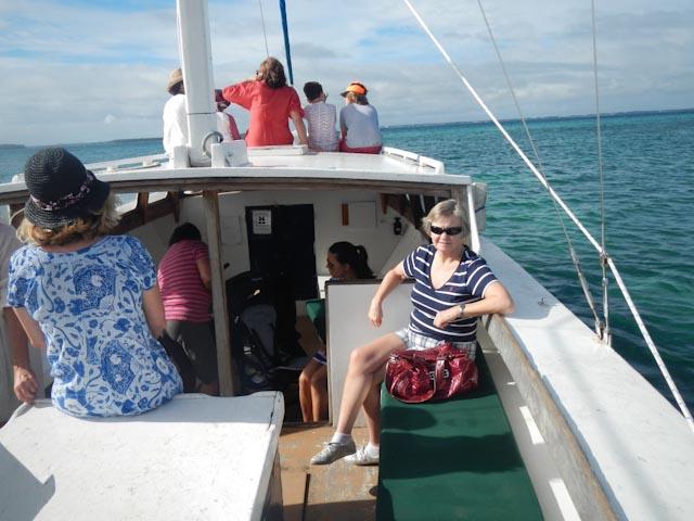 På båten inn til byen